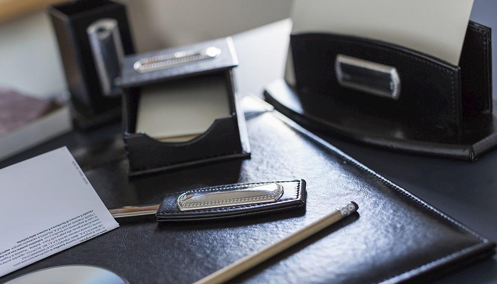 Sottomano Scrivania Verde : Oggetti da scrivania in argento e non solo acquista su zanolli.com