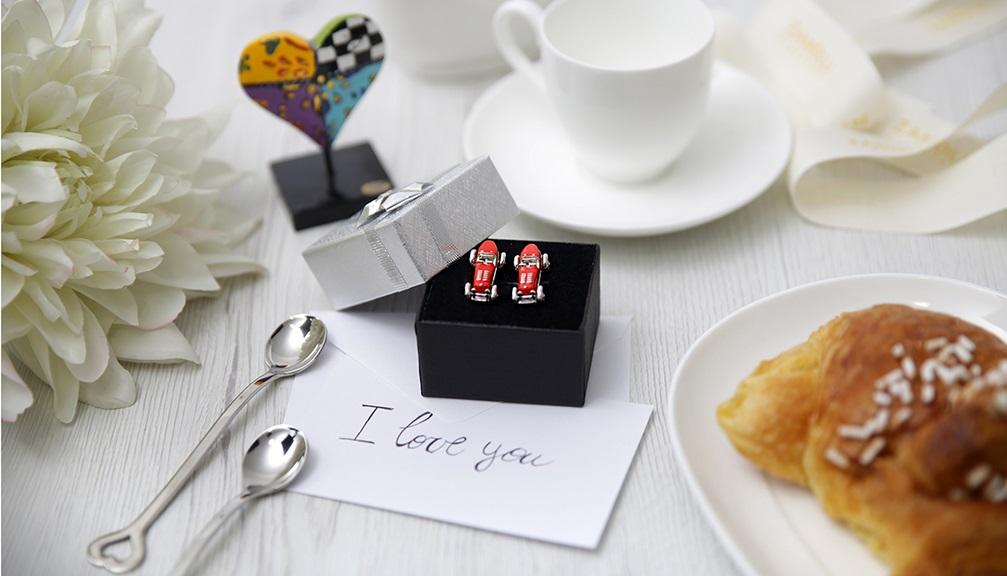 Regali di fidanzamento 8 idee per una coppia for Idee per regali