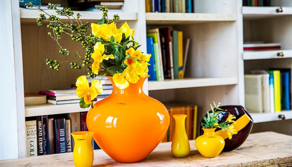 Vasi moderni da interno arredare con i fiori foto per for Vasi per piante da interno moderni