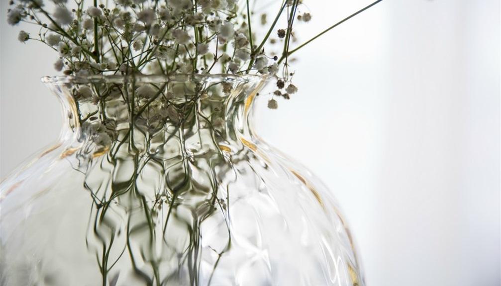 Vasi di vetro per i fiori 5 occasioni in cui usarli for Composizioni natalizie in vasi di vetro