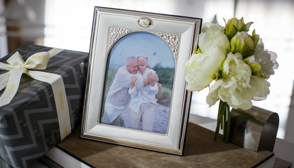 Super Regali per 50 anni di matrimonio: cosa regalare alle nozze d'oro? VP68