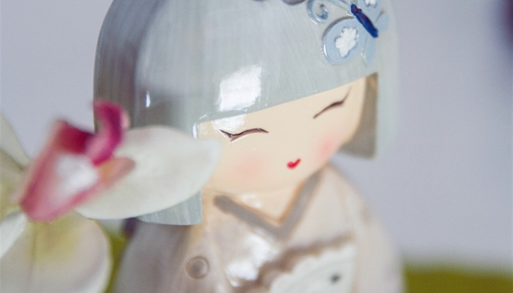 coppia Kokeshi bamboline giapponesi in legno vari colori
