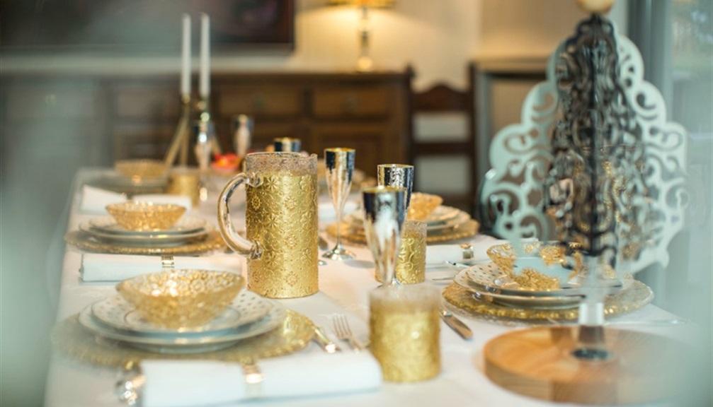 Apparecchiare la tavola a natale 5 dettagli importanti - Apparecchiare una tavola elegante ...