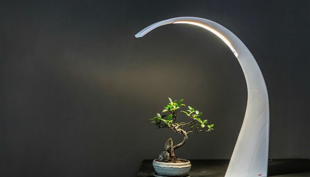 Lampade moderne per arredare casa 10 idee for Lampade per comodini moderne