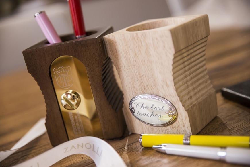 regalo maestra di fine anno 10 idee zanolli magazine On idee regalo utili
