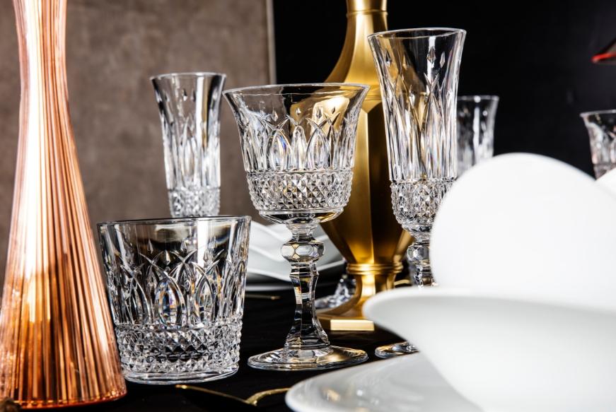 Come apparecchiare la tavola di natale 2018 - Apparecchiare la tavola bicchieri ...