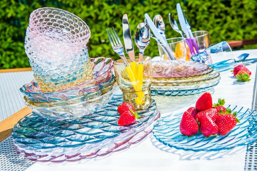 Bicchieri colorati idee per apparecchiare la tavola - Apparecchiare la tavola bicchieri ...