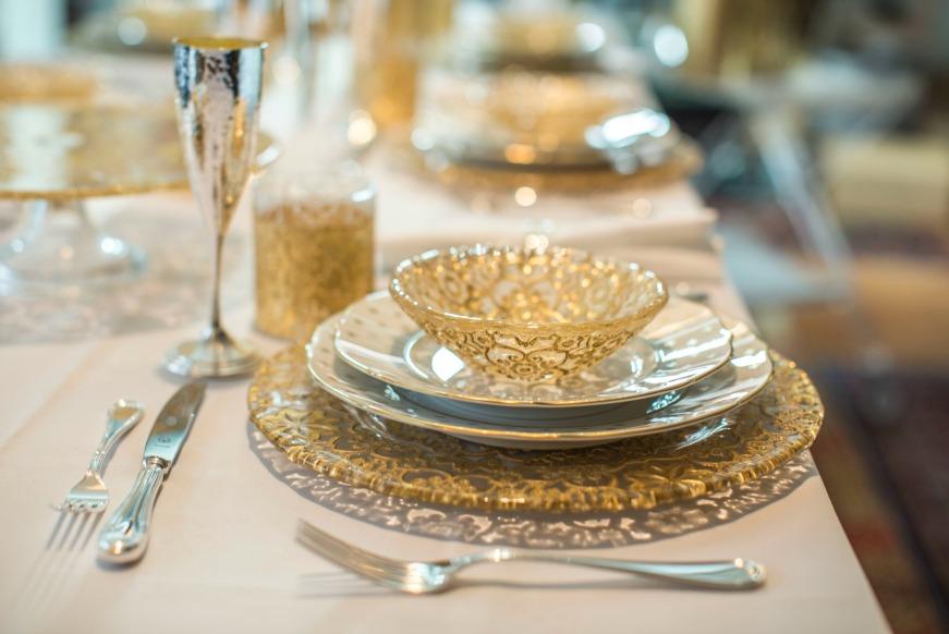 Apparecchiare la tavola a natale 5 dettagli importanti - Apparecchiare la tavola bicchieri ...