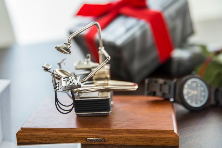 Preferenza Cosa regalare alla laurea? 10 idee regalo classiche | Zanolli Magazine RB03