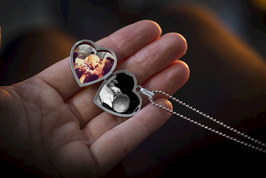 regalo-per-madrina-battesimo-ciondolo-portafoto